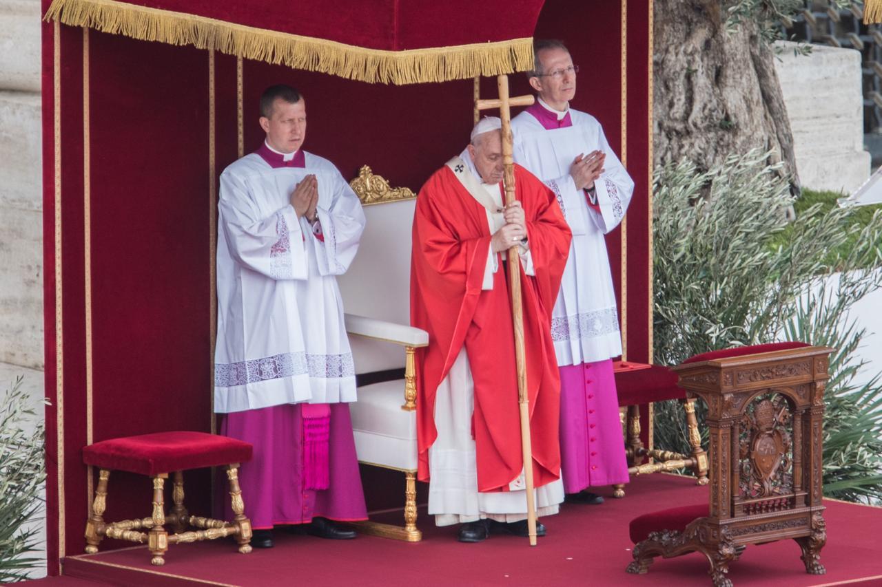 El Papa preside la Misa en el Domingo de Ramos, 14 abril 2019 © Zenit/María Langarica