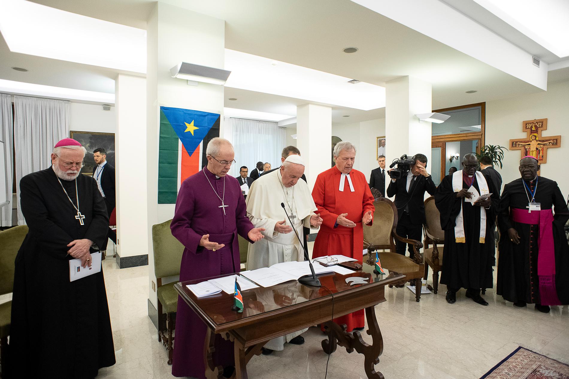El Papa invoca bendiciones de paz y esperanza © Vatican Media