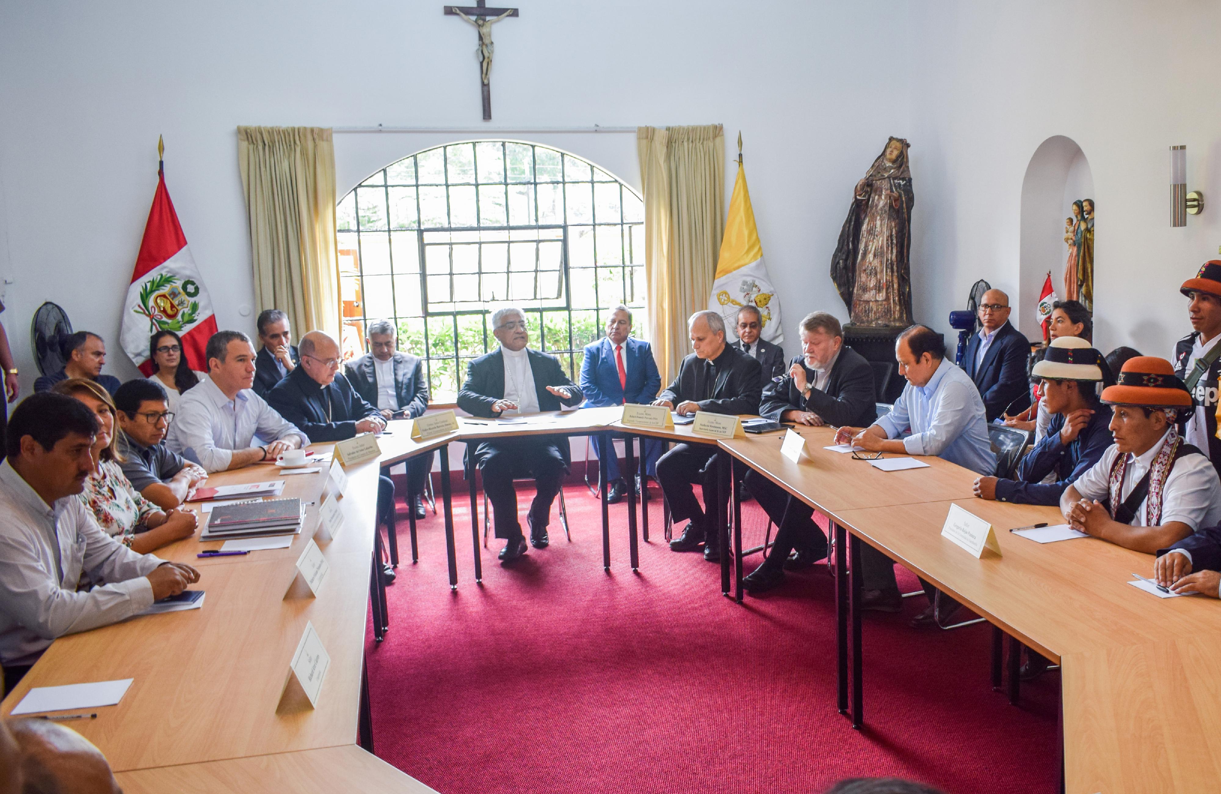 Reunión con los comuneros de Fuerabamba, Perú © Conferencia Episcopal Peruana