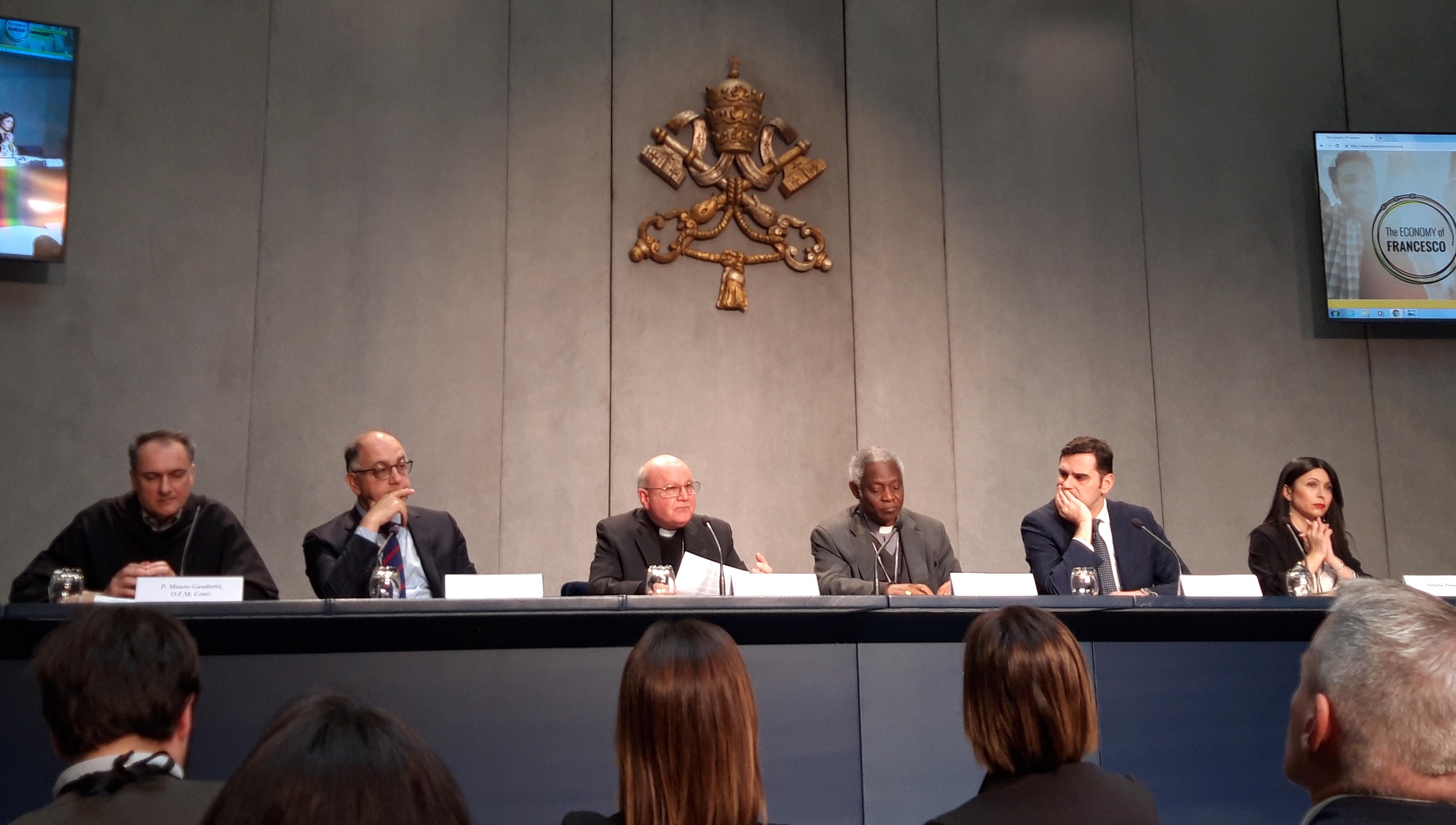 """Presentación del evento """"Economía de Francisco"""" en el Vaticano © Zenit/Rosa Die Alcolea"""