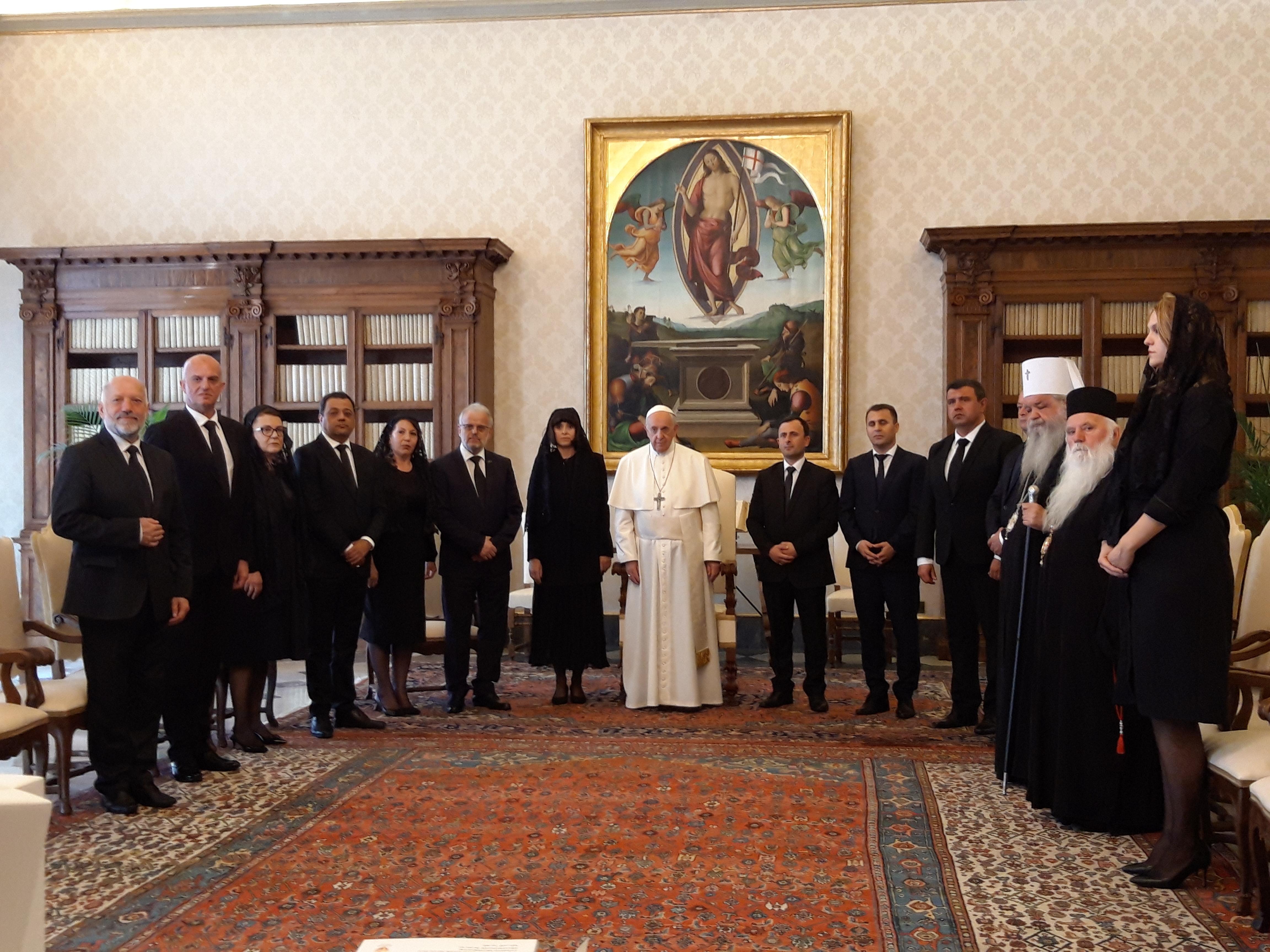 La delegación macedonia agradece al Papa su visita, 24 mayo 2019 ©Zenit/Rosa Die