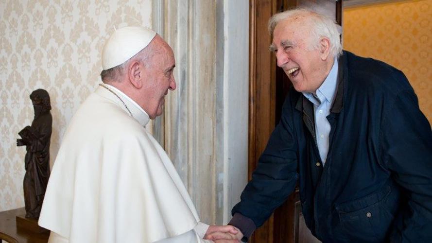 El Papa Francisco recibe a Jean Vanier en el Vaticano © Vatican Media
