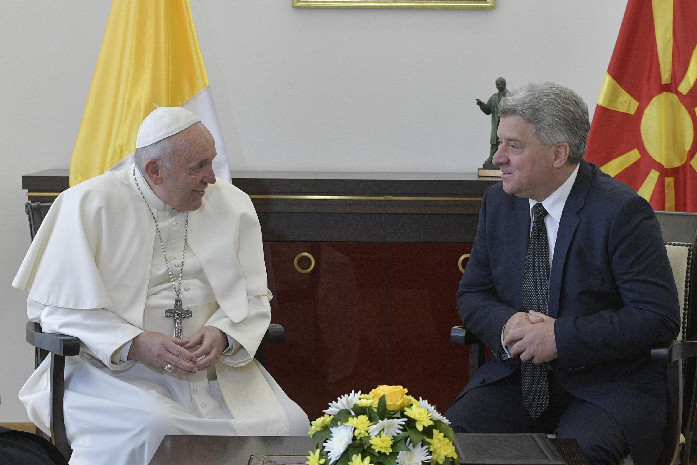 El Papa Francisco con el Presidente de la República de Macedonia del Norte © Vatican Media