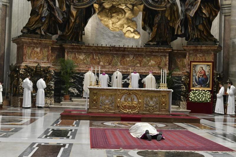 Ordenación episcopal de Alberto Lorenzelli, obispo auxiliar De Santiago de Chile © Vatican Media