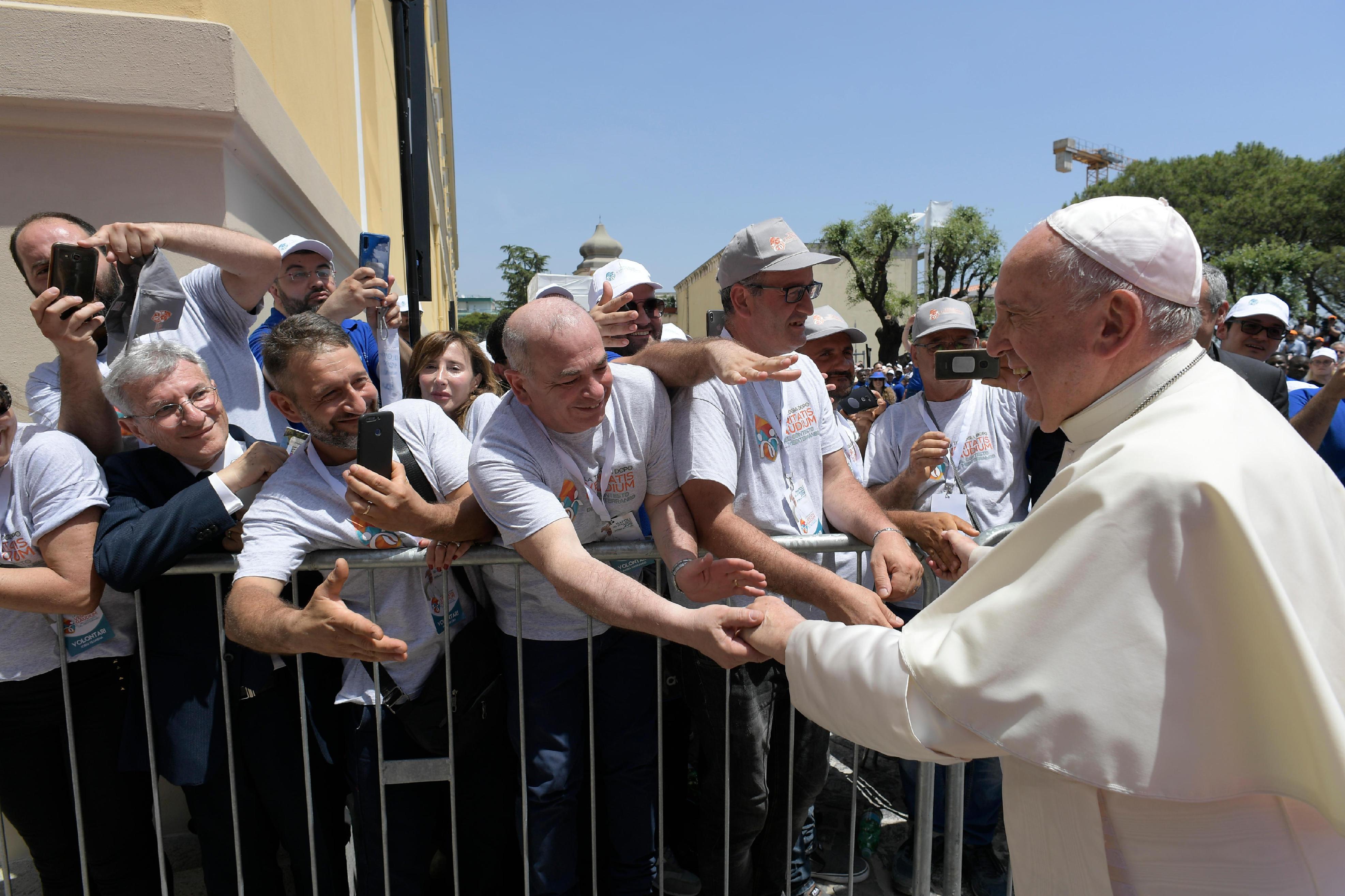 Congreso sobre teología después de la 'Veritatis gaudium', en Nápoles © Vatican Media