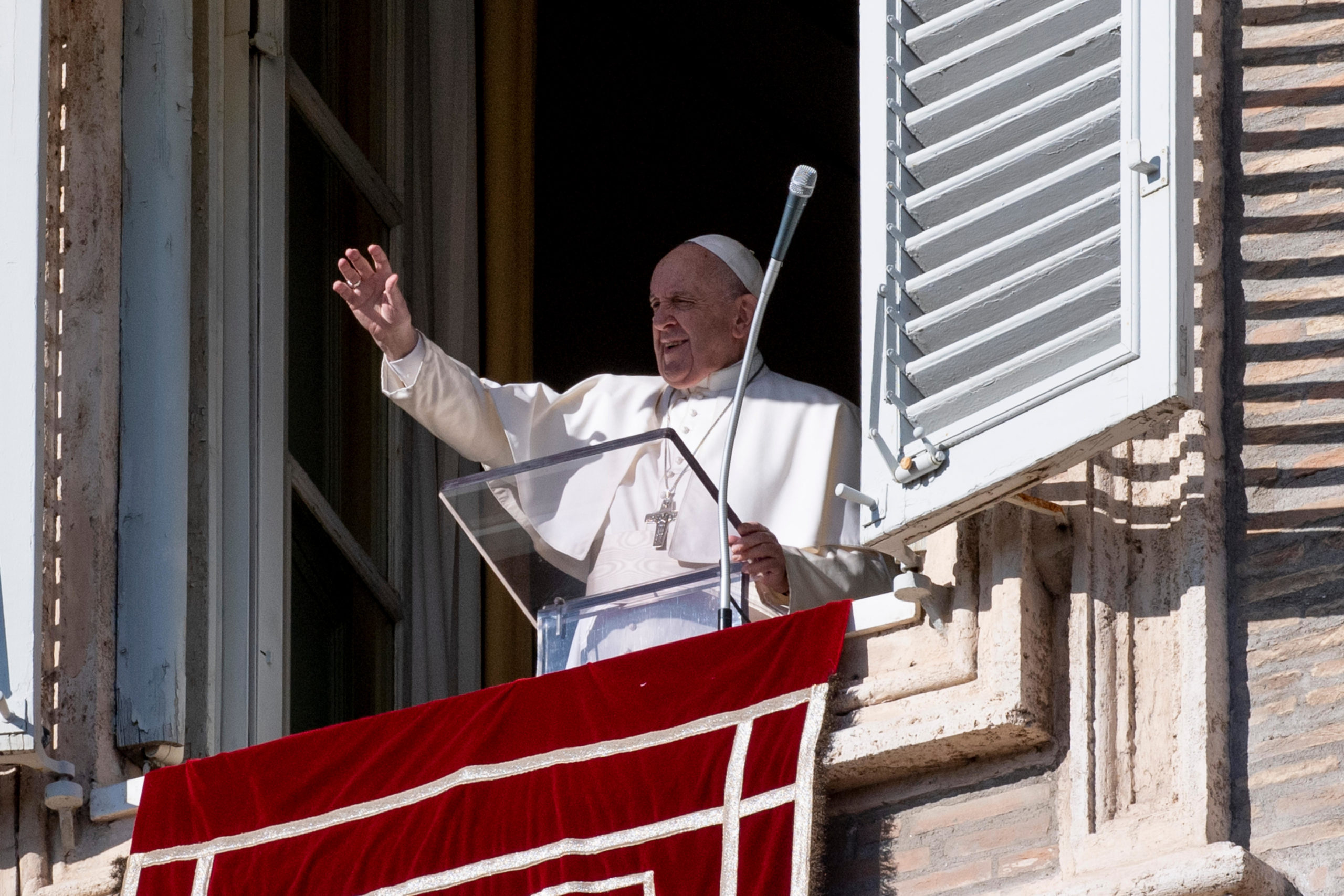 Papa víctimas incendios Lesbos
