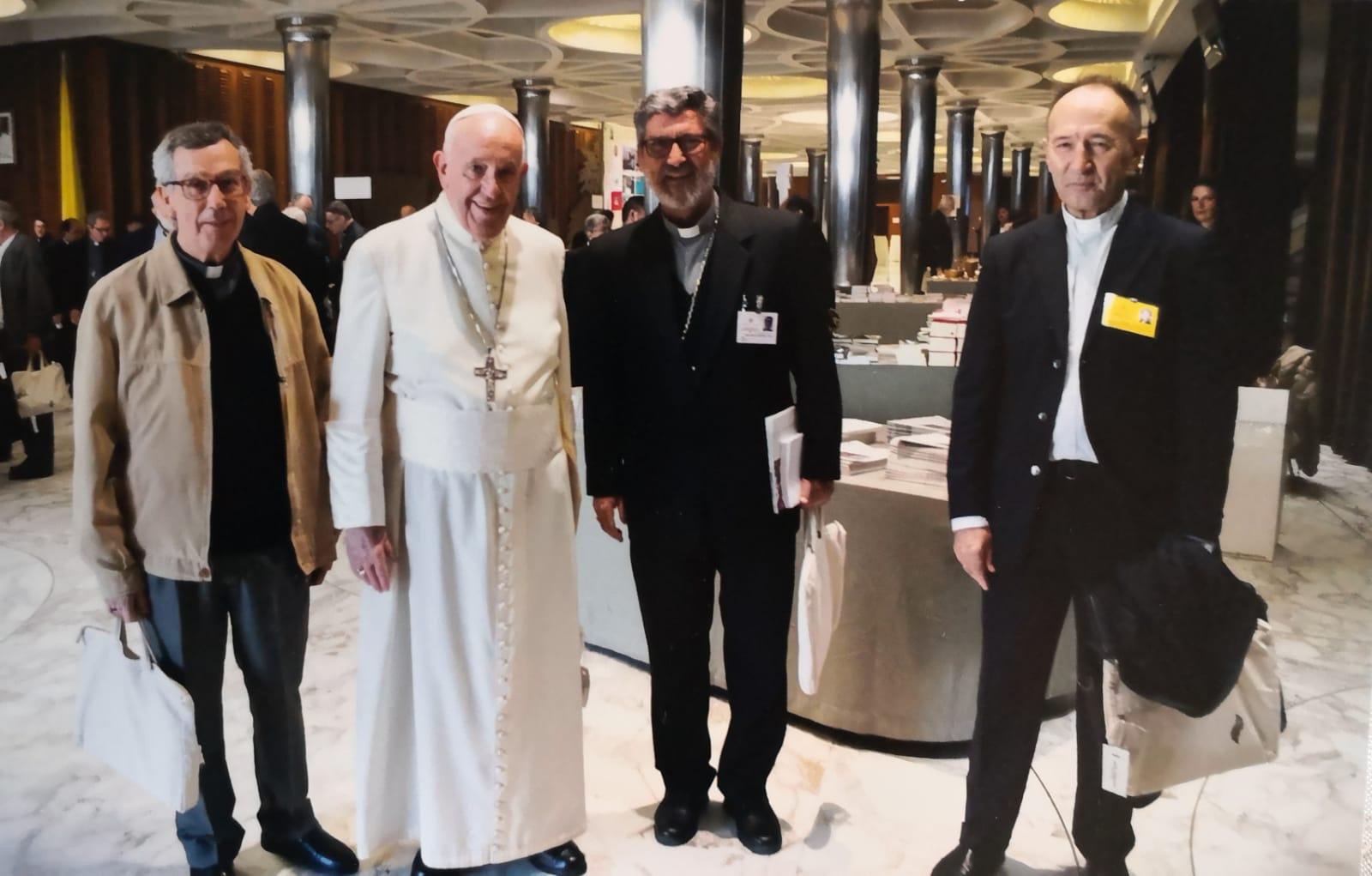 Manuel Arroba, a la derecha © Misioneros claretianos