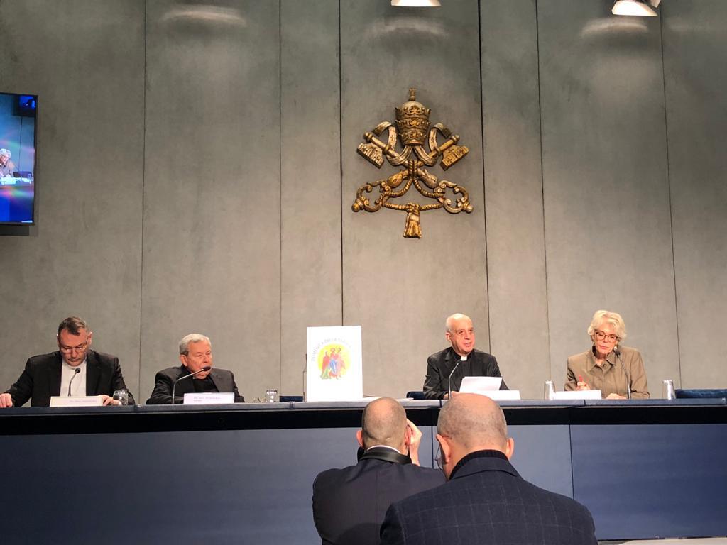Mons. Rino Fisichella presenta el Domingo de la Palabra de Dios © Vatican Media
