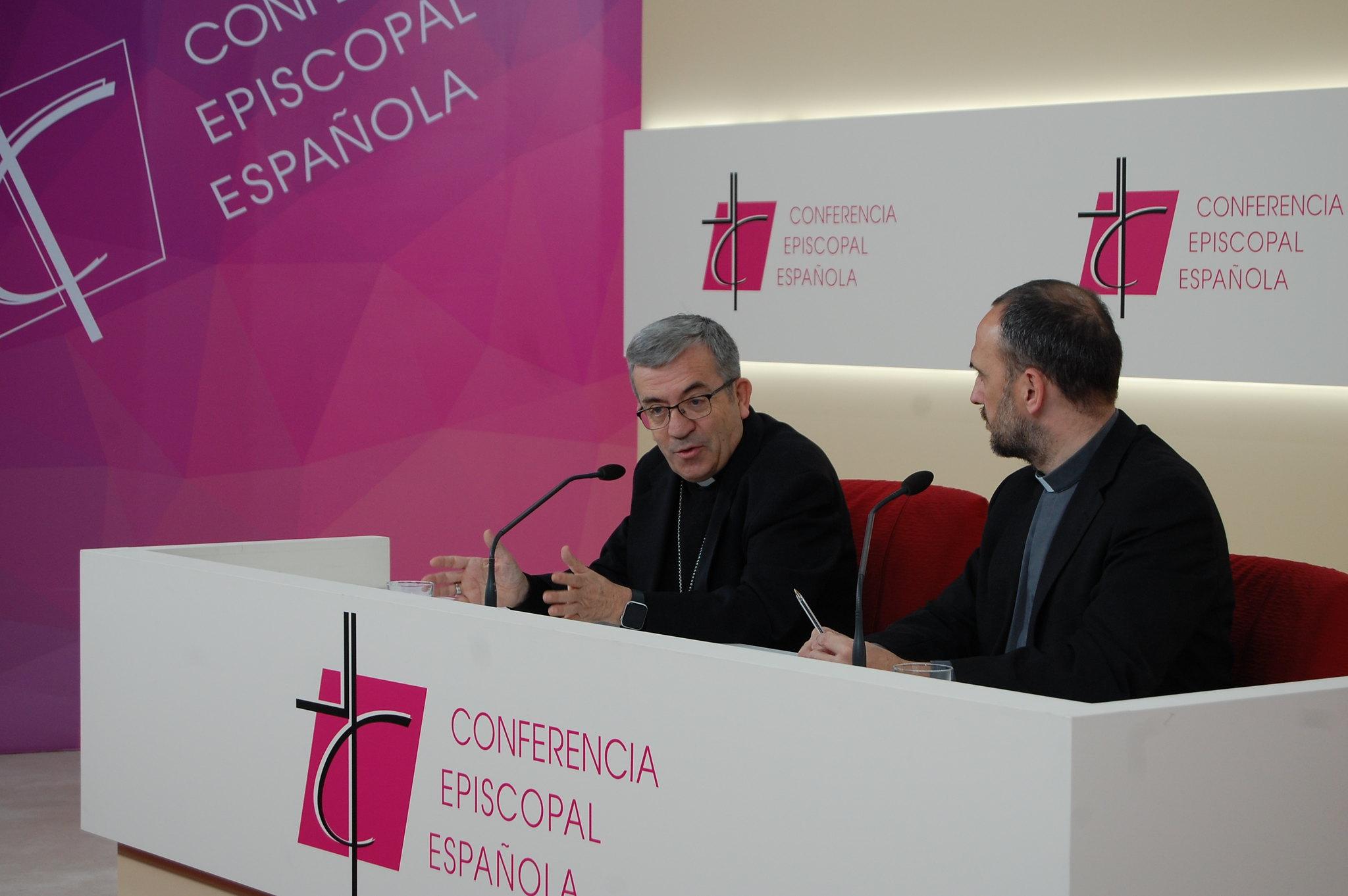Mons. Luis Argüello en rueda de prensa © Conferencia Episcopal Española