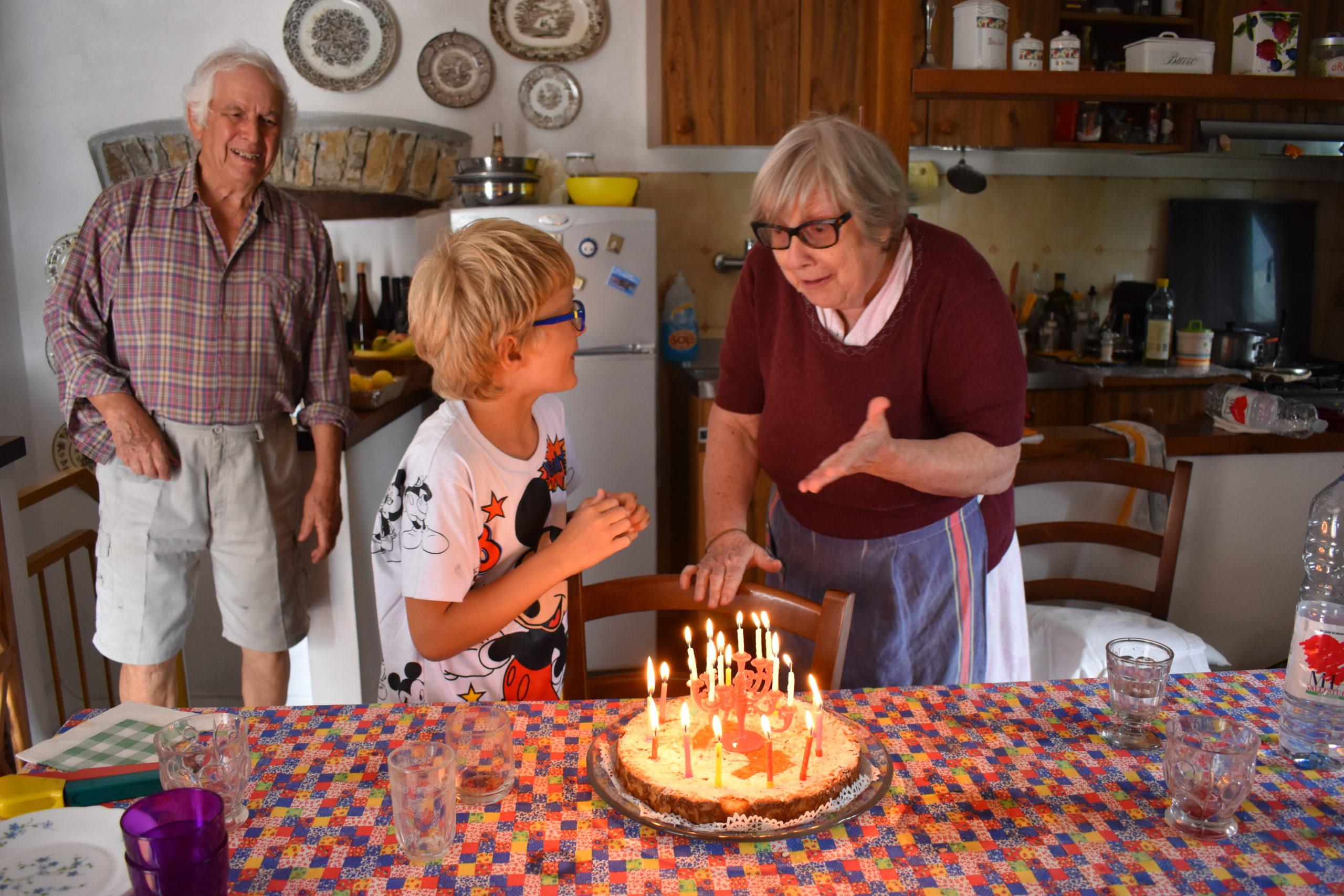 Luisa y Beniamino celebran el cumpleaños con su nieto © Mayra Novelo