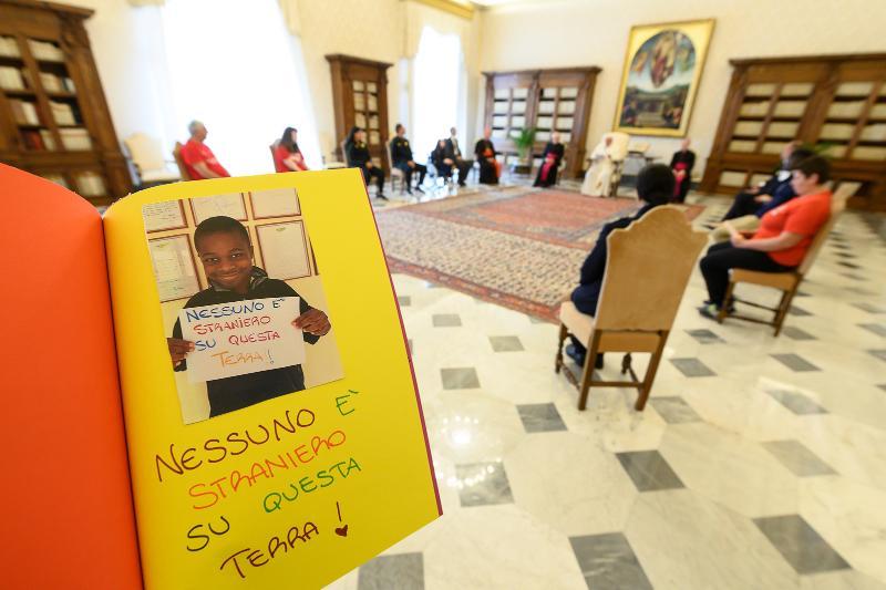 Athletica Vaticana: Subasta benéfica contra el coronavirus