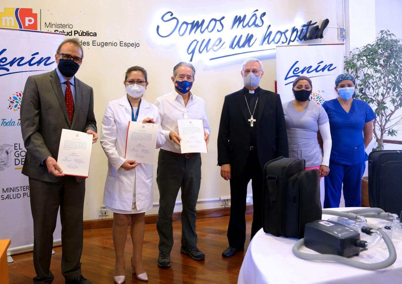 Ecuador, Entrega de los respiradores donados por el Papa