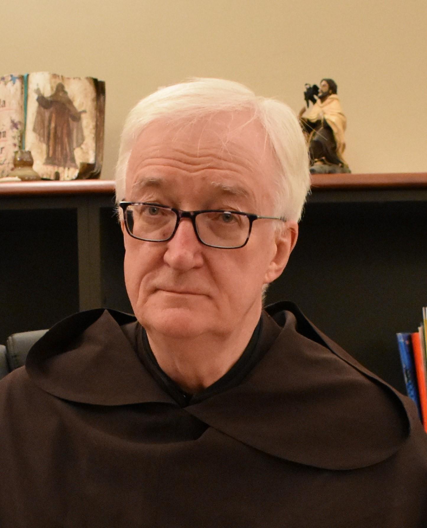 Entrevista Padre Míċéal O'Neill