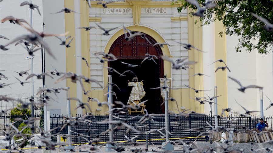 El Salvador templos