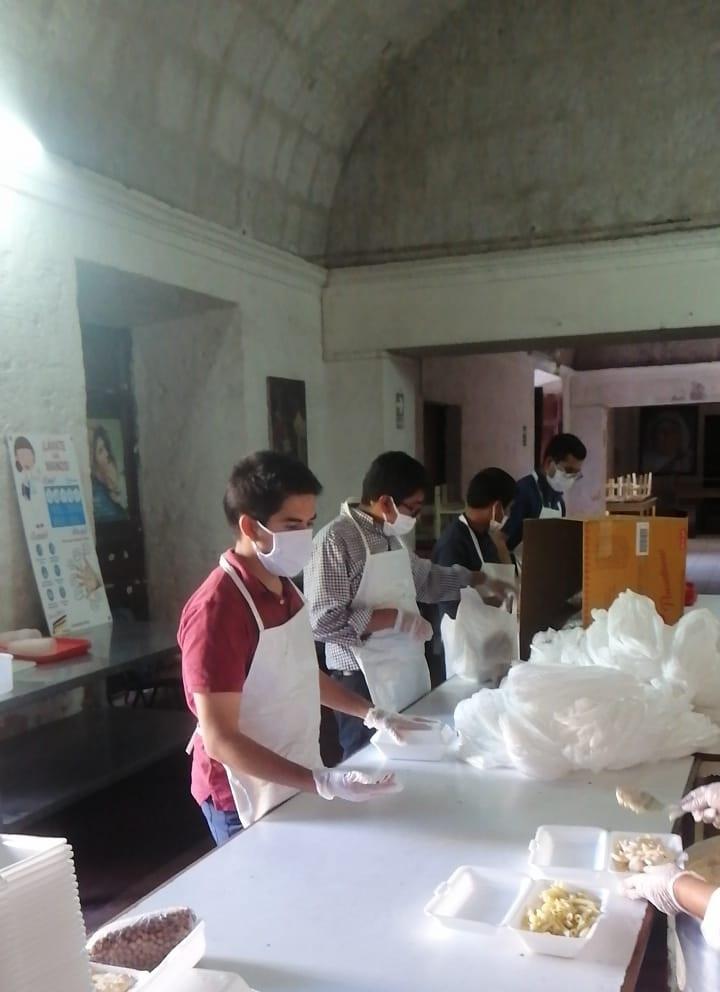 Perú: Iglesia realia donaciones a comedores parroquiales