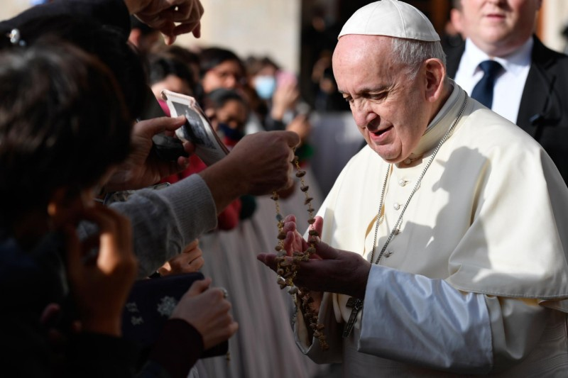 Mes del Rosario Papa