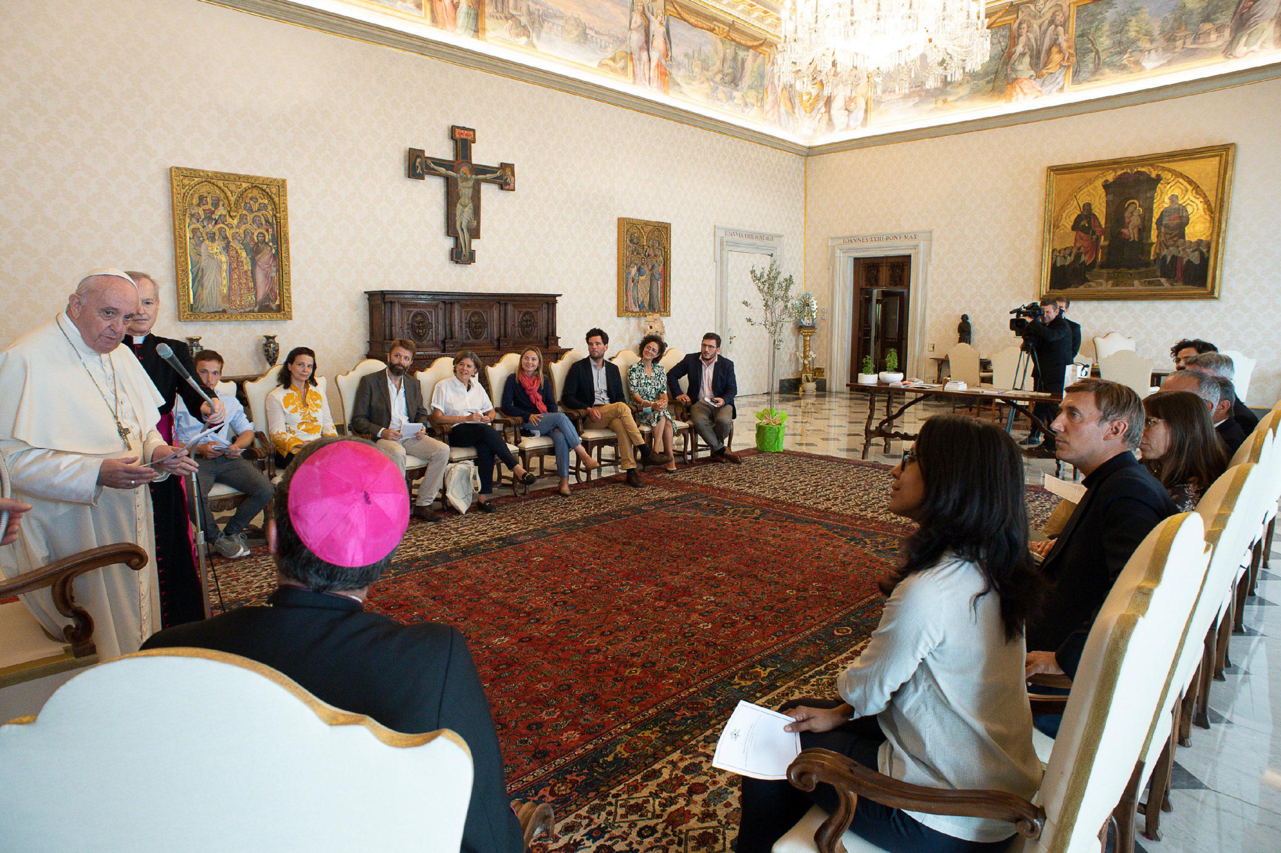 Francia: Discurso improvisado del Papa a expertos en ecología