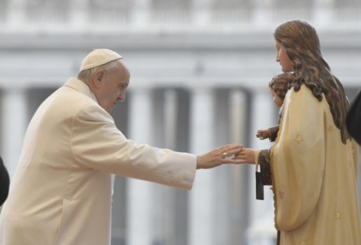 Academia Mariana: Liberar a la Virgen de la mafia