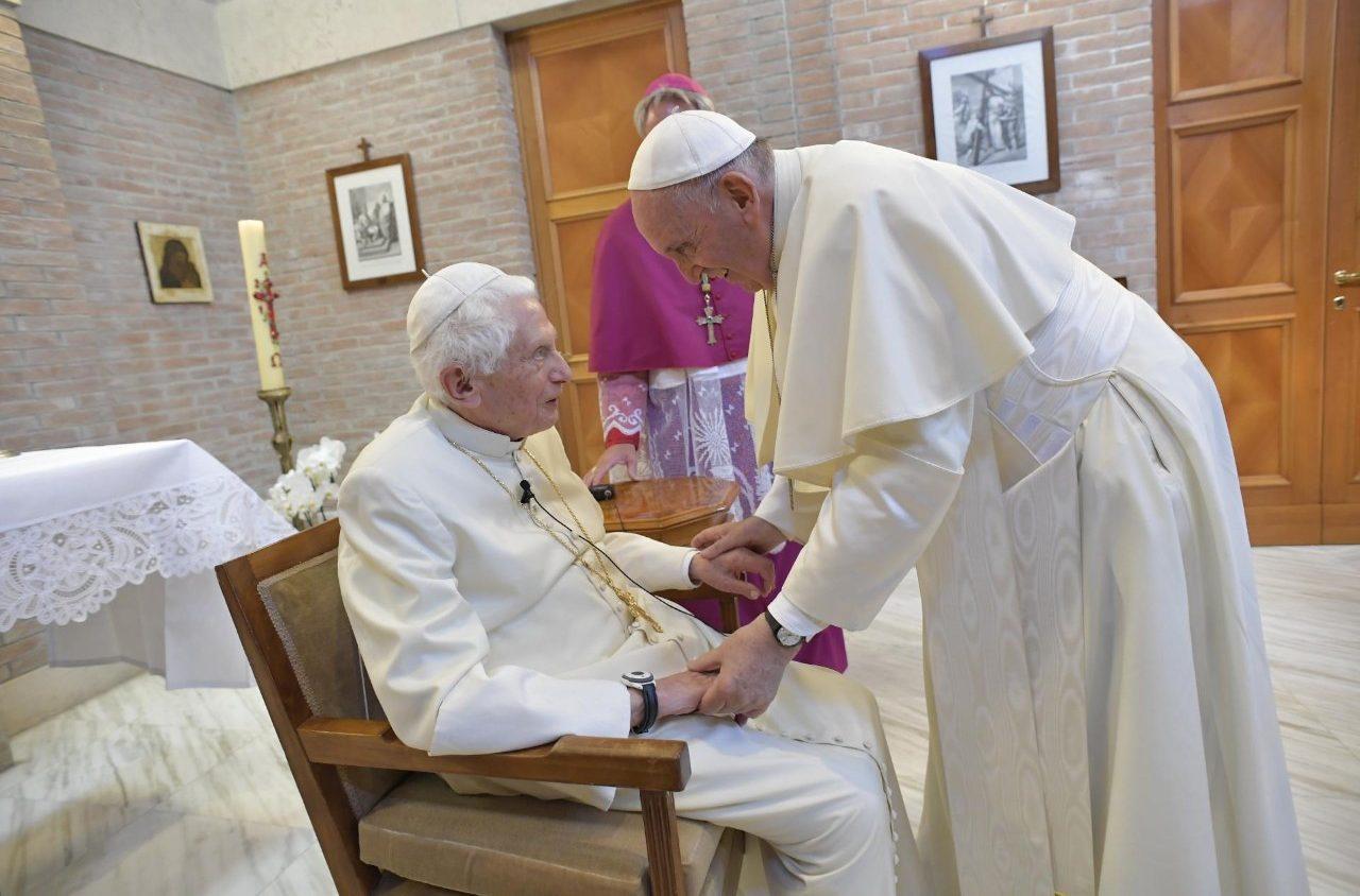 Corrupción Francisco Benedicto XVI