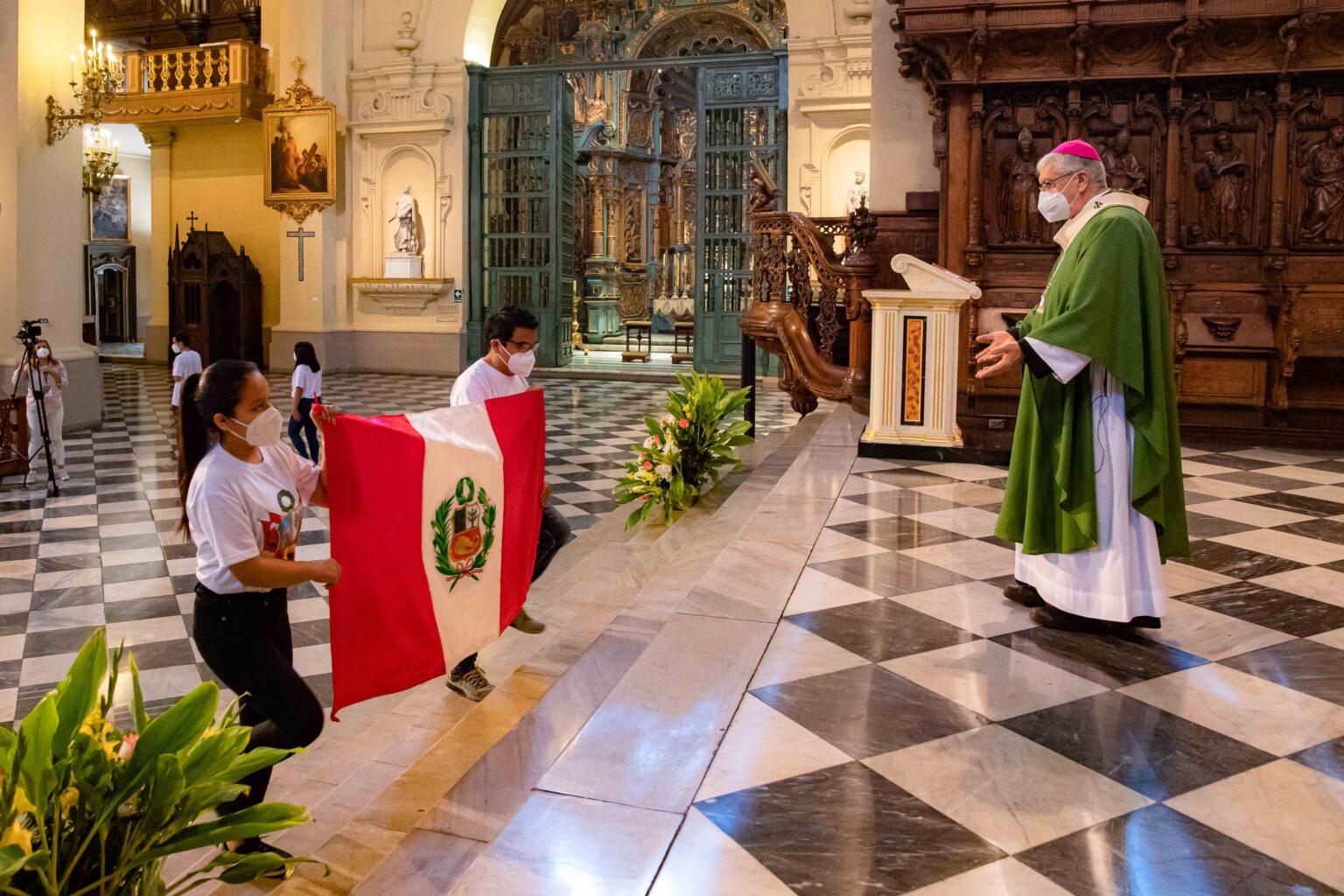 Perú: Misa universitarios fallecidos