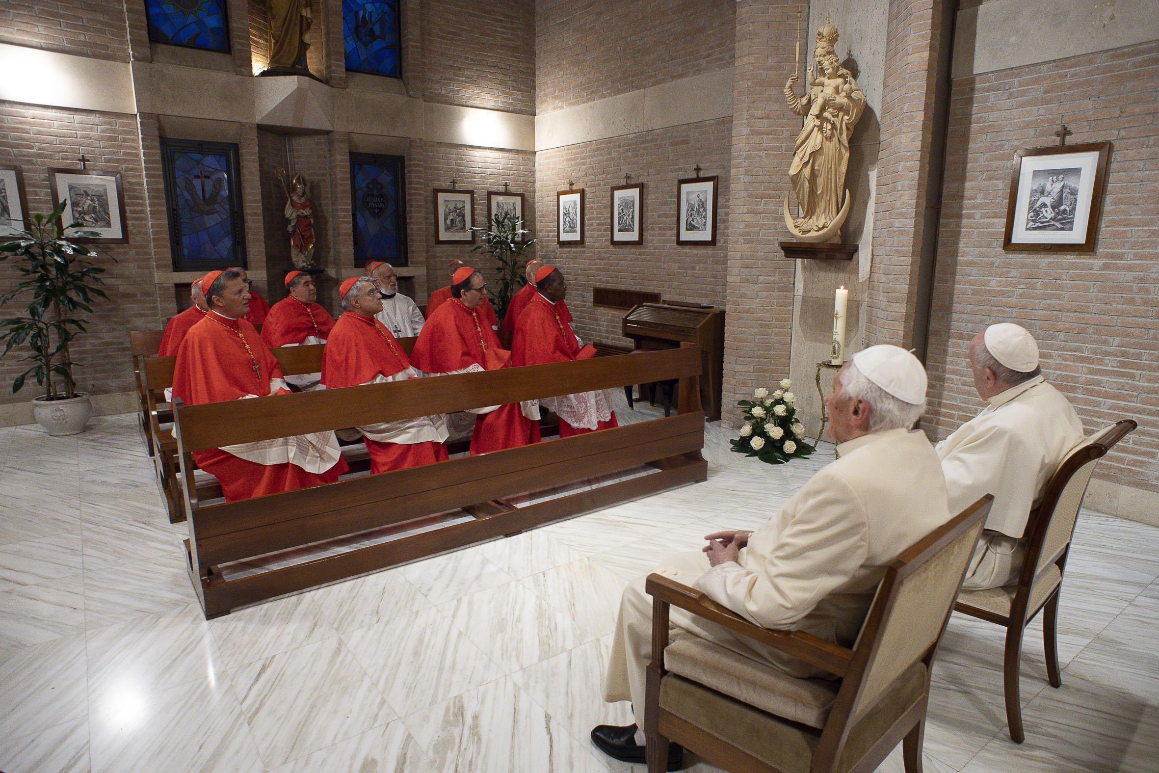cardenales benedicto