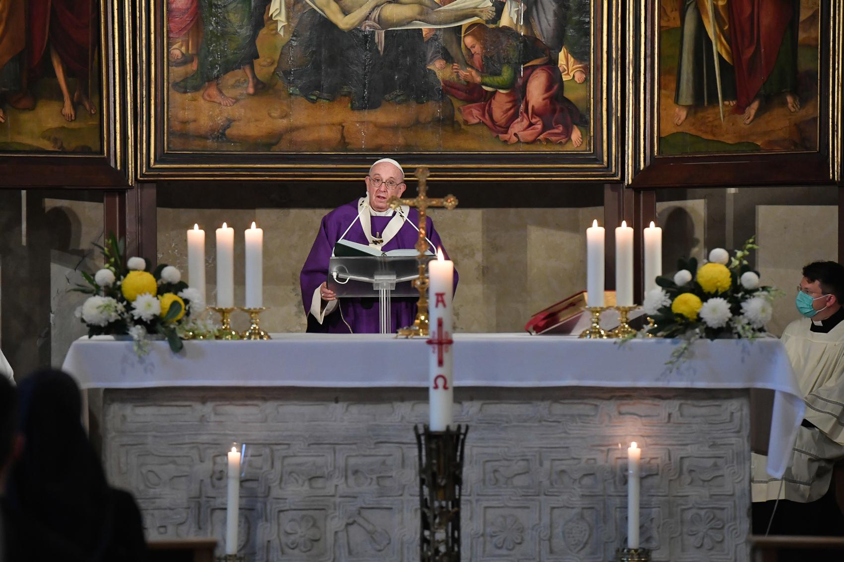 Homilía de la Misa por los Fieles Difuntos (C) Vatican Media