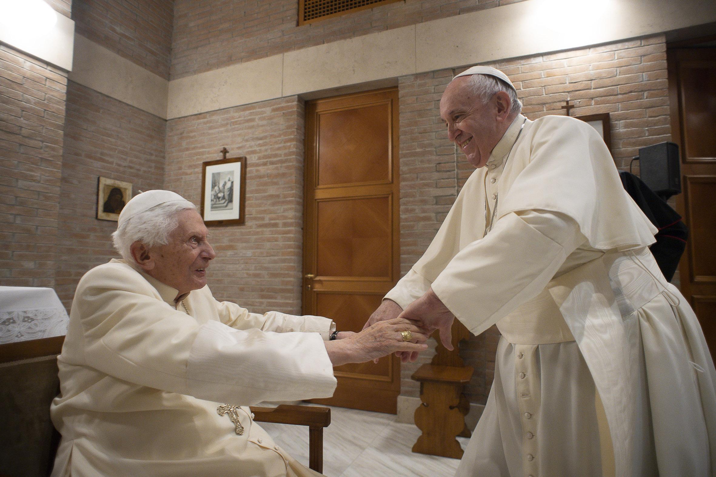 Benedicto XVI silencio