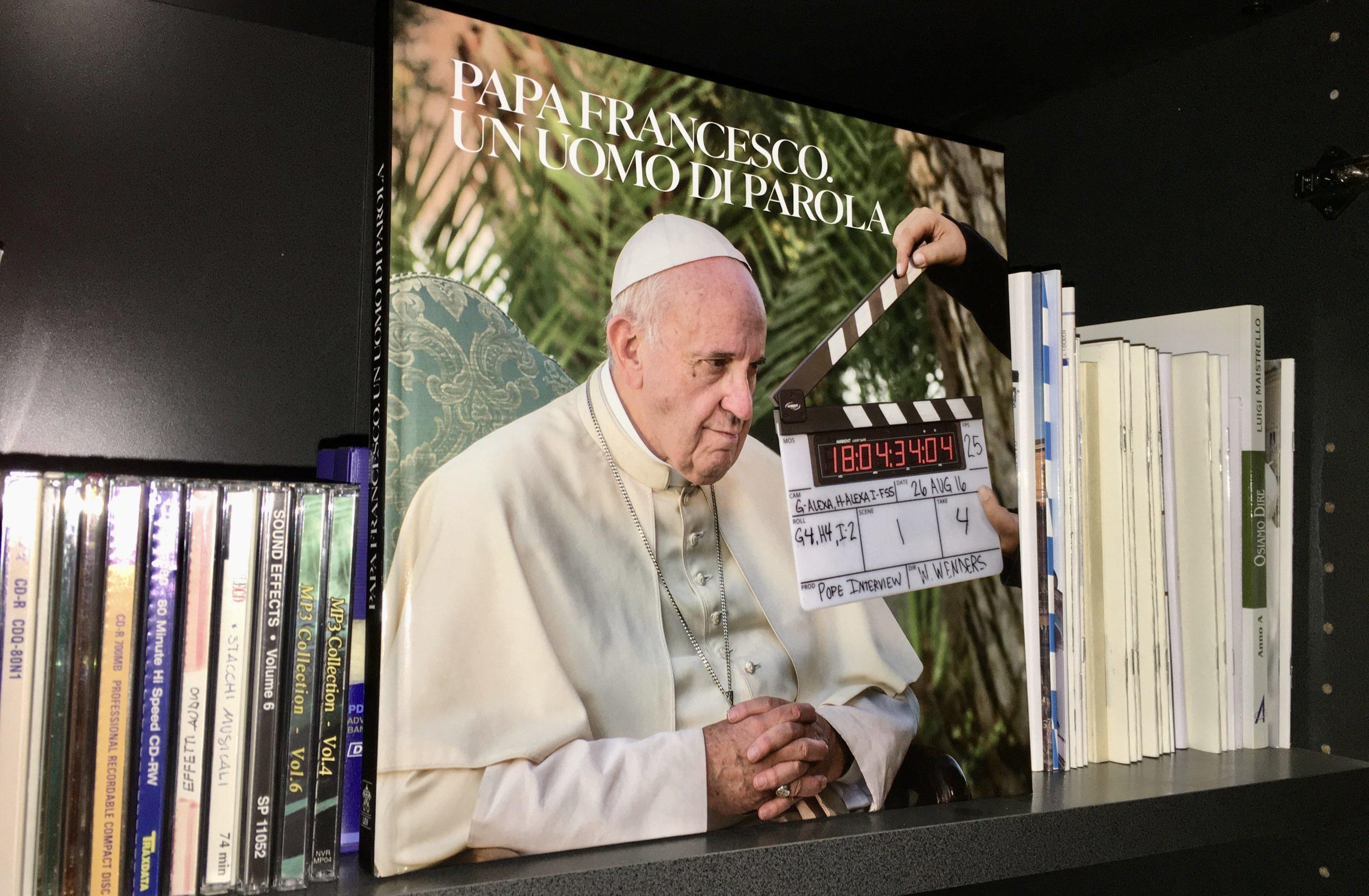 vaticano papa libro