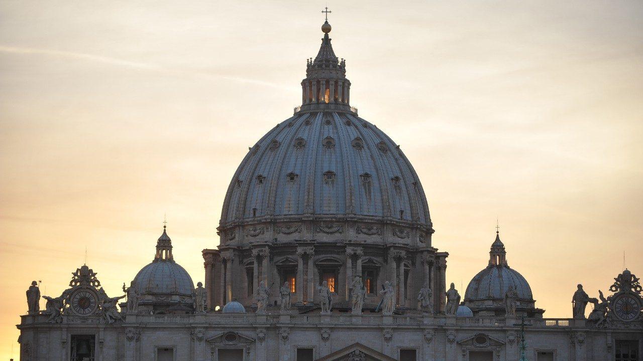 Vaticano sentencia ex nuncio