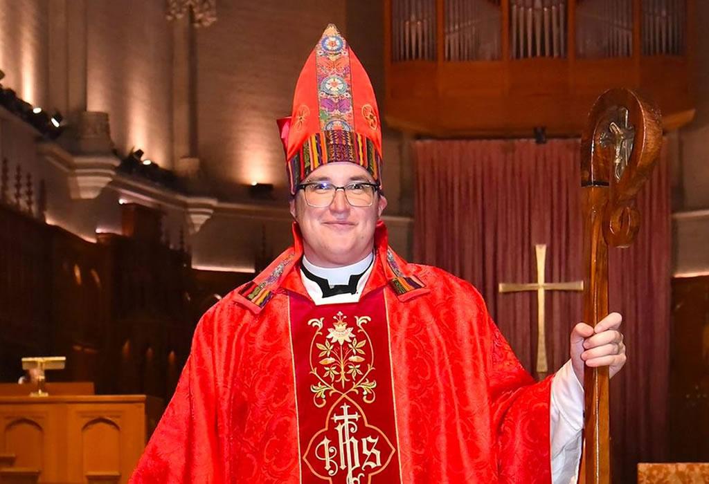 """Los luteranos de Estados Unidos nombran a un transexual como """"obispo"""""""