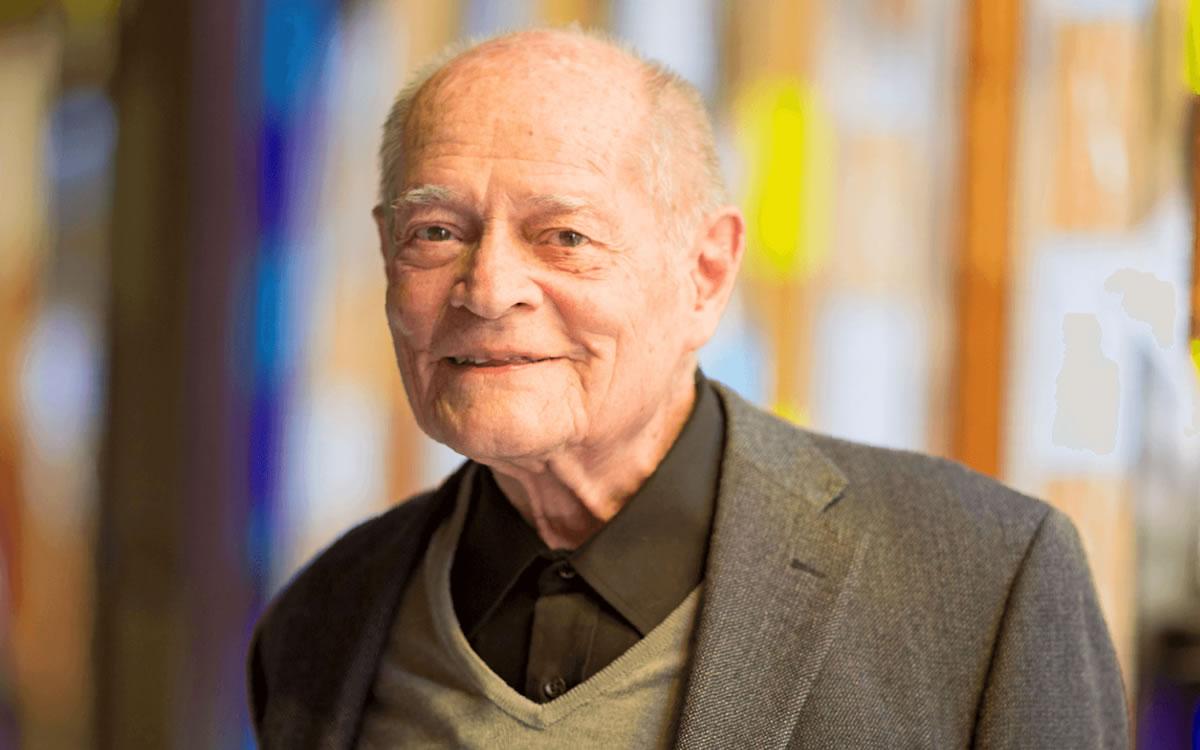 Monje benedictino gana el Premio Nacional de Diseño 2021 en México